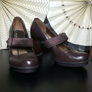 Kenneth Cole Reaction Mary Jane Heels Size 8